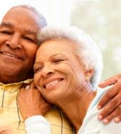 Foto ilustrativa de um casal de idosos | Psicóloga em Santos – Joyce Mello