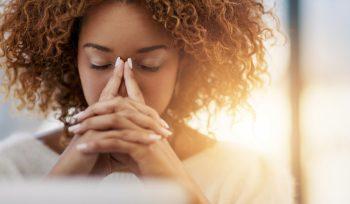 Ansiedade: o que é e como tratá-la | Psicóloga Joyce Mello